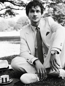 Burberry-hugh-dancy-655407_290_388