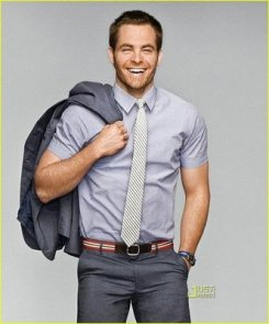 chris-pine-gq-summer-suits-05.xlarger